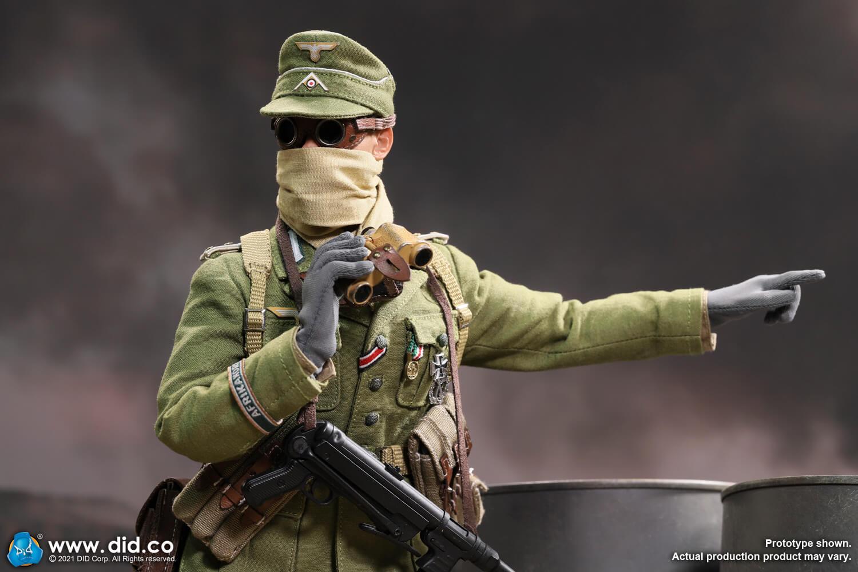 D80151 WW2 German Afrika Korps Infantry Captain - Wilhem