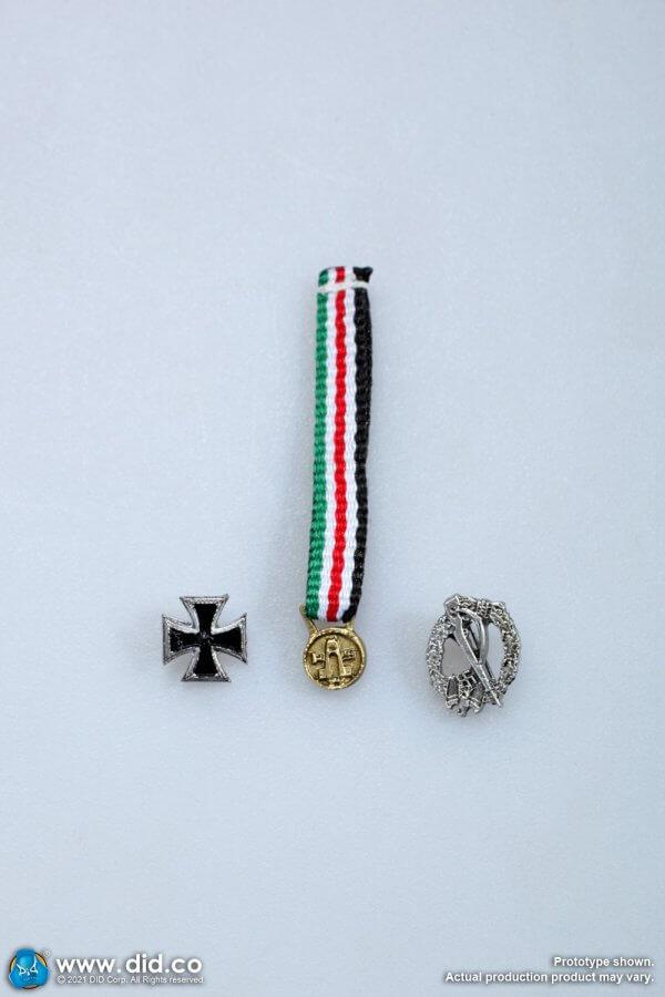 1/6 WW2 German Italian Afrika Korps Campaign medal Infantry Assault Badge Iron cross First Class